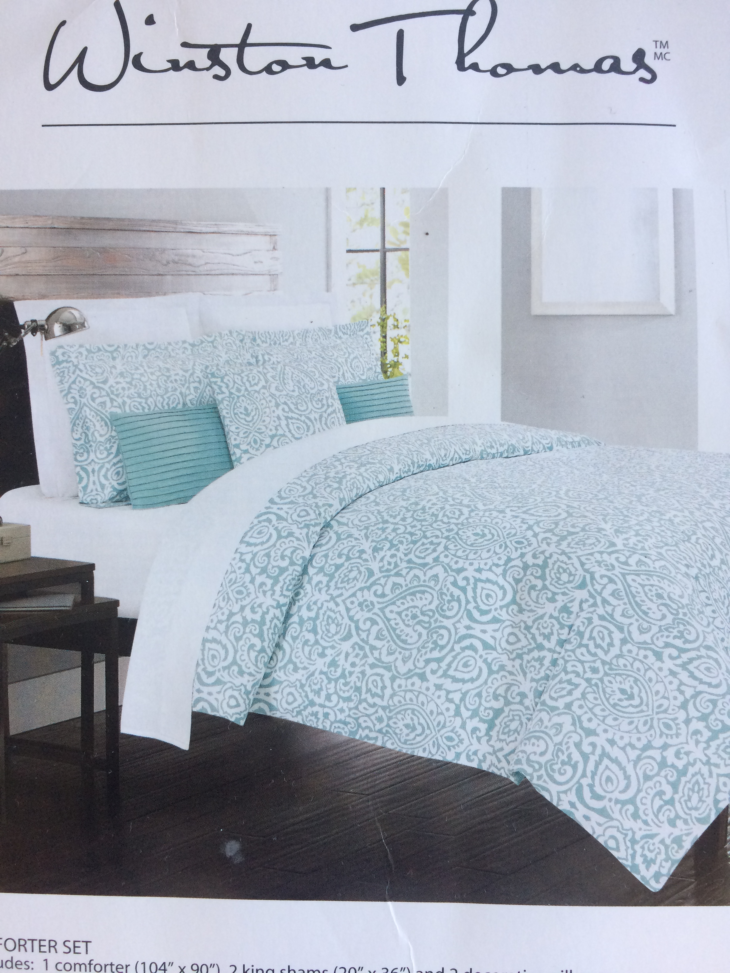 white comforter with blue sets nice and look amazing of